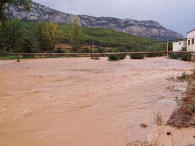 20060913142141-lluvia-en-vivel-del-rio.jpg