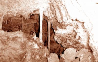 20060920150726-grutas-de-cristal.jpg