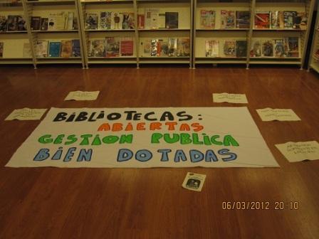 20121118184204-bibliotecas-cerradas.jpg