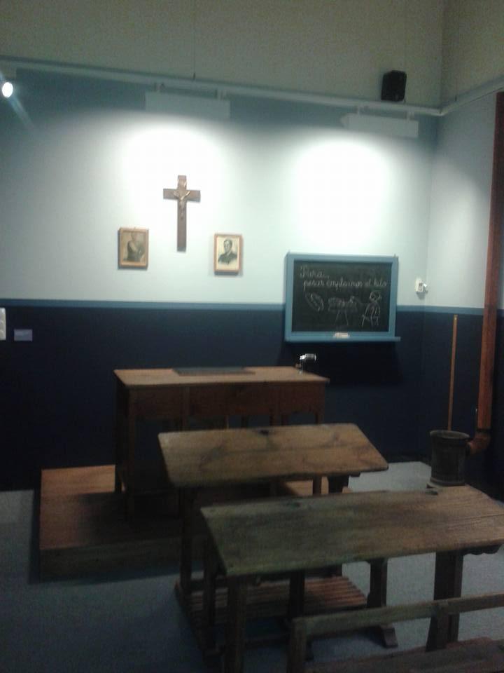 20150614124701-escuela-franquista.jpg